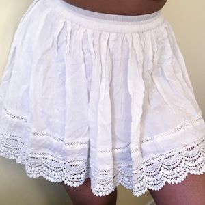 Cute white frilly skirt